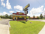 Free-standing Retail/Restaurant w/ Drive-thru in Englewood